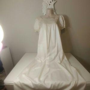 Vintage Bert Yelin for Iris nightgown